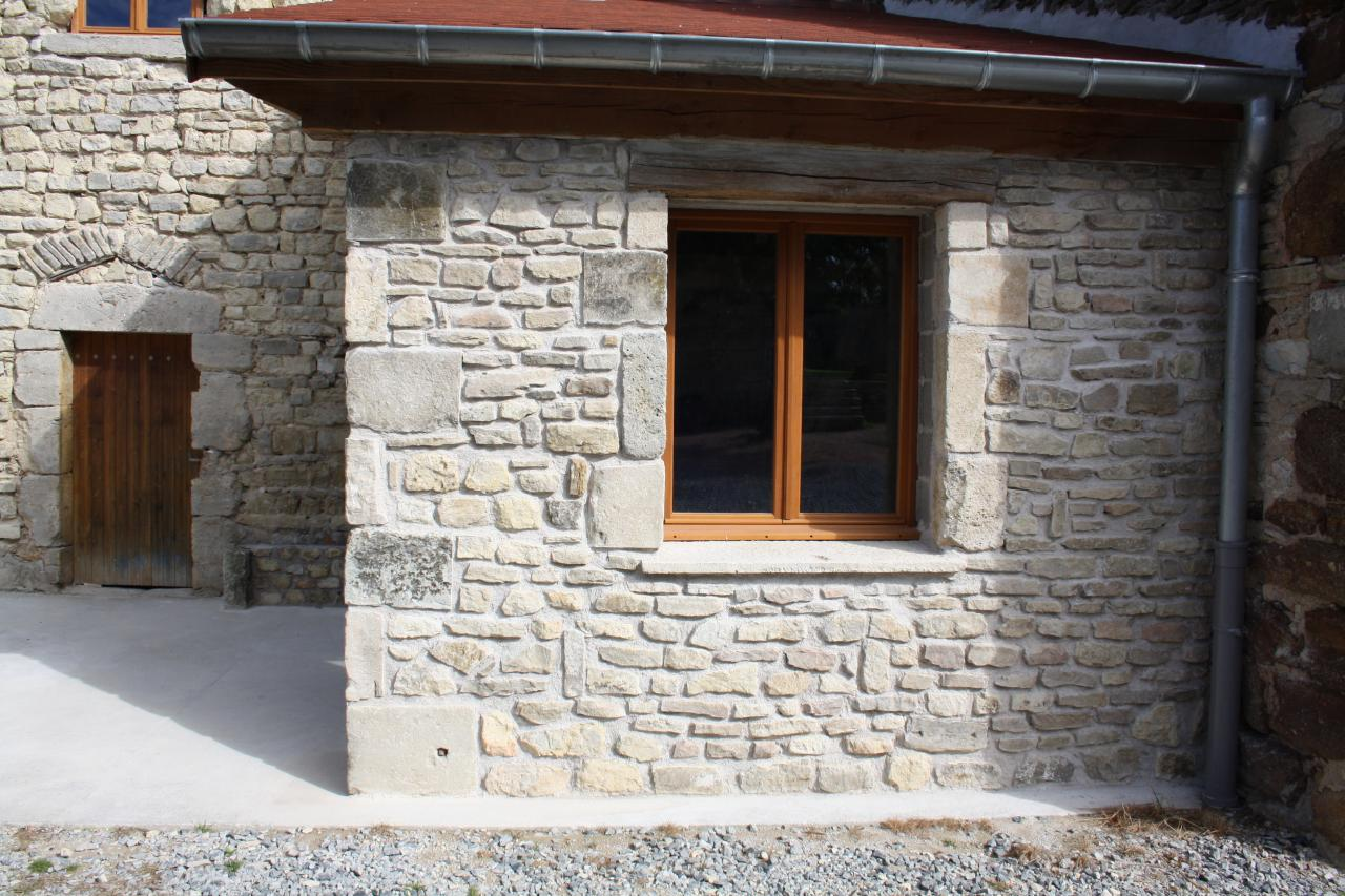doublage de mur en pierres naturelles